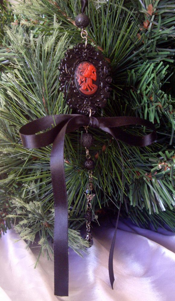 Black gothic christmas tree decoration skeleton cameo 163 5 99
