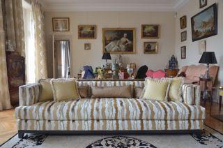 DOM EDIZIONI - Luxury home Clive Sofa #domedizioni #luxuryliving #luxuryfurniture #clive