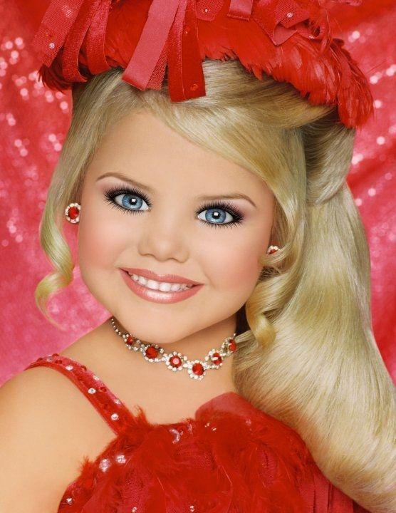 I'm sorry but I'm amazed at what these toddlers go through for their tiaras.  Is it Toddlers and Torture?