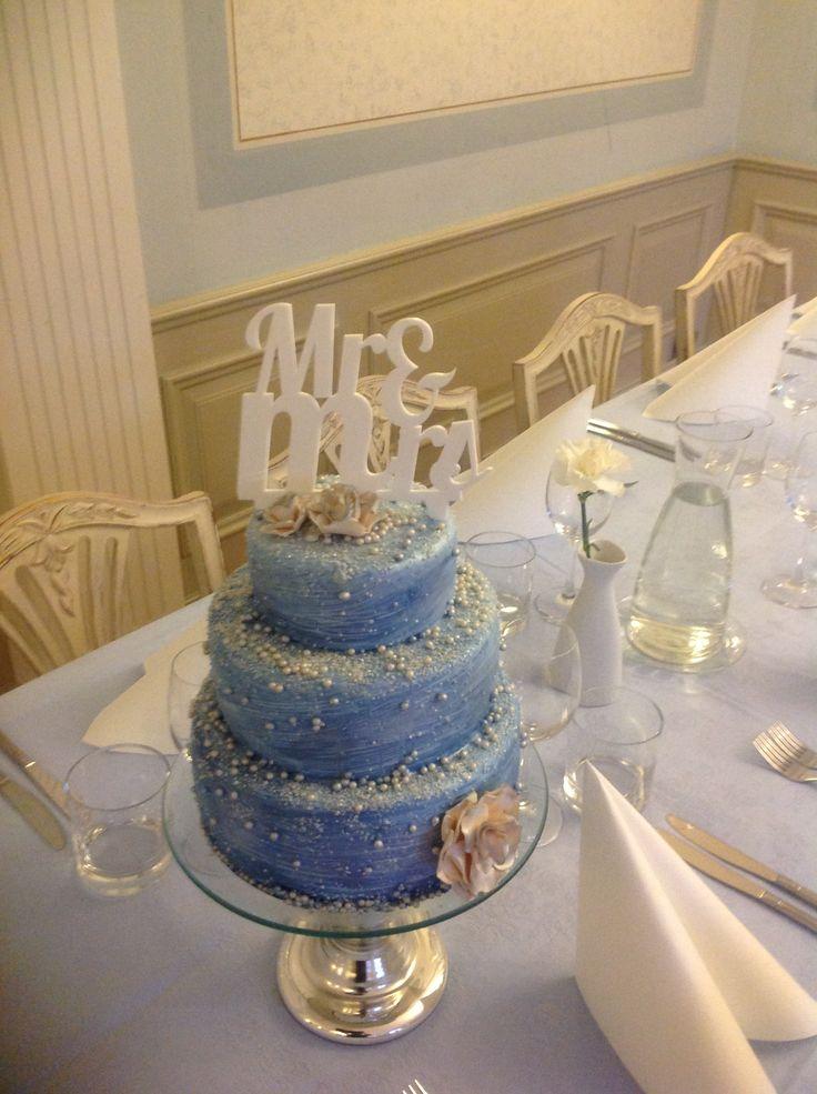 Wedding cake blue/ice
