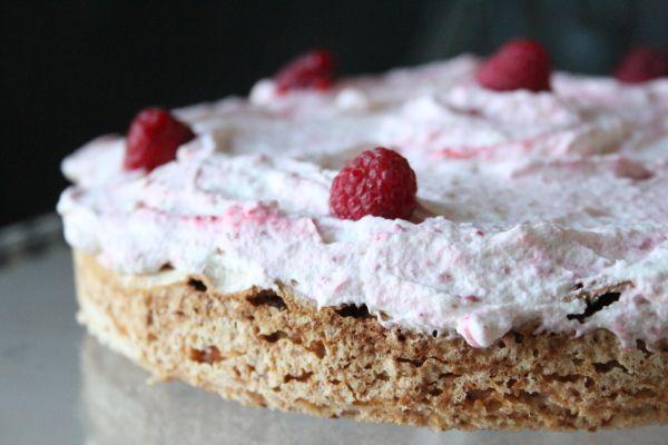Hindbærkage uden hvede | Non-wheat raspberry meringue cake