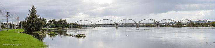 https://flic.kr/p/TQYFXn | Flooded Waikato River At Huntly Bridge
