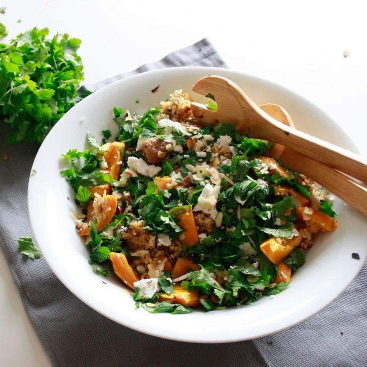 #bulgursalade met vijgen en feta. Het perfecte maal voor doordeweeks. Je kunt het goed voorbereiden en koud eten. #salade #salad #naareigensmaak