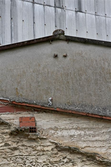 Isaac Cordal - Cement Eclipse