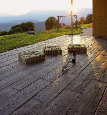 Sieht wie Holz aus, hällt aber bedeutend länger - Mahora Gartenplatten - www.betonchristen.ch