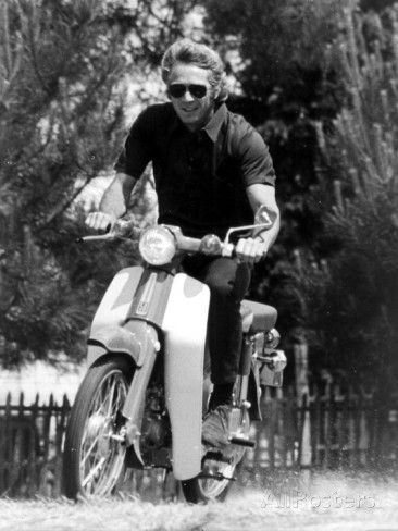 American Actor Steve Mcqueen on a Moto to Prepapre His Film Le Mans, 1969 写真