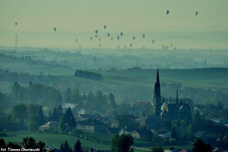Niesamowity widok balonów nad Krosnem! #balony #Krosno #festiwal #Podkarpacie/ #Poland #views #amazing