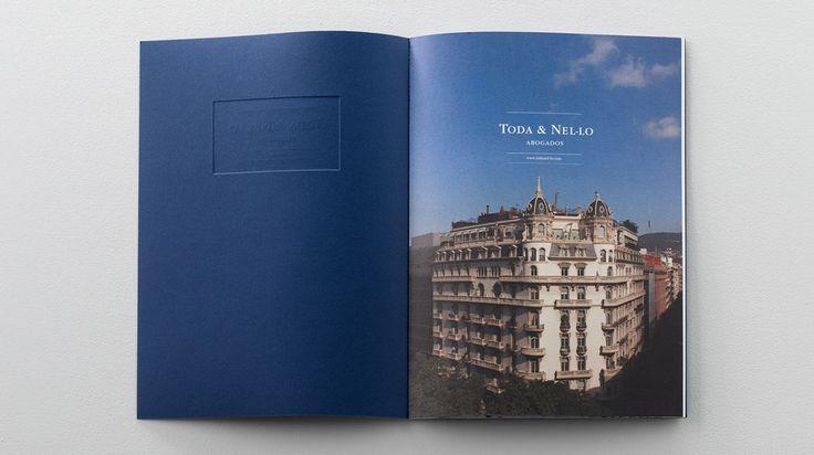 TODA & NE·LO - Nomon Design Diseño del catálogo y de la nueva página web del bufete de abogados de Barcelona, Toda & Nel·lo. Fotografía: Santi de Pablo #diseño #identidad #corporativa #comunicación #catálogo #web