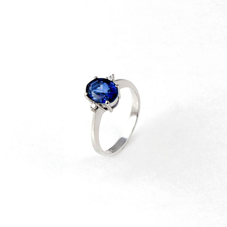 18ct (750) White gold ring with 1.82ct Blue Saphire and 0.05ct W.VS Diamonds. By Golden Eye Jewellery Alanya-Turkey