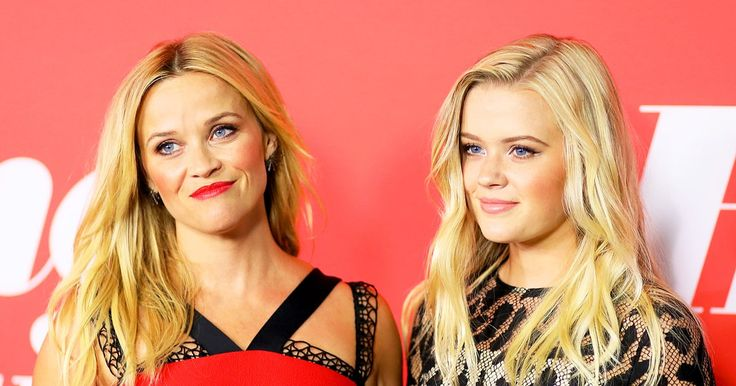 Reese Witherspoon and her look-alike daughter, Ava, stunned at the red carpet premiere of her film Home Again on Tuesday, August 29 — see the pics!