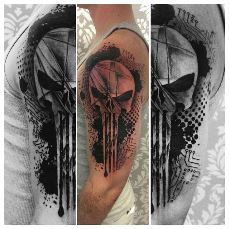 Punisher Skull, by JohnnyJinx at the Broken Clover Social Club, Tucson, AZ