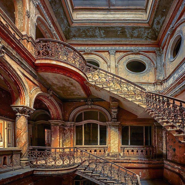 Craigtoun Hospital St Andrews Scotland....apparently now abandoned..? Amazing Interior !