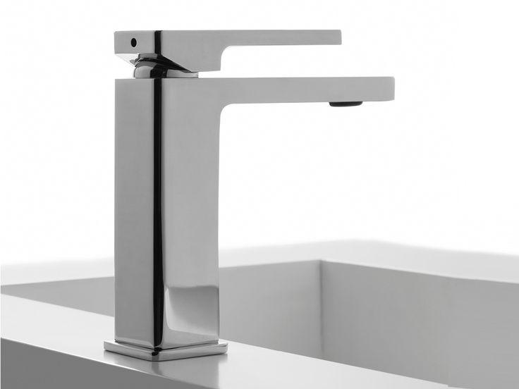 Zazzeri. Rubinetto da lavabo, serie qQuadro. Design Fabrizio Batoni.