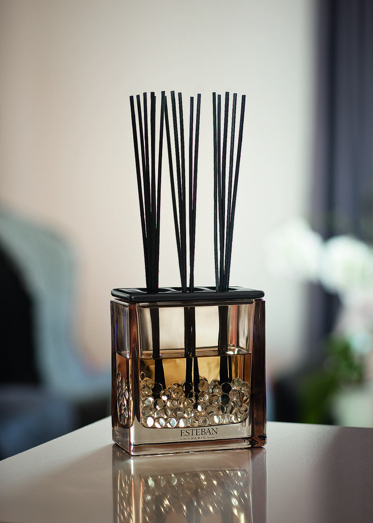 23 best collections classiques images on pinterest fragrance perfume and savages. Black Bedroom Furniture Sets. Home Design Ideas