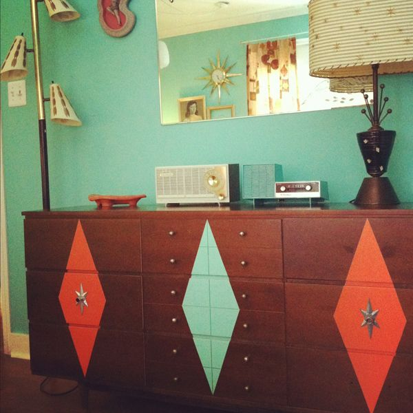Oh So Lovely Vintage: Dresser Makeover Before & After.