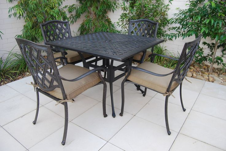 107cm Square Melton Promo Table & Geneva Chair (1)