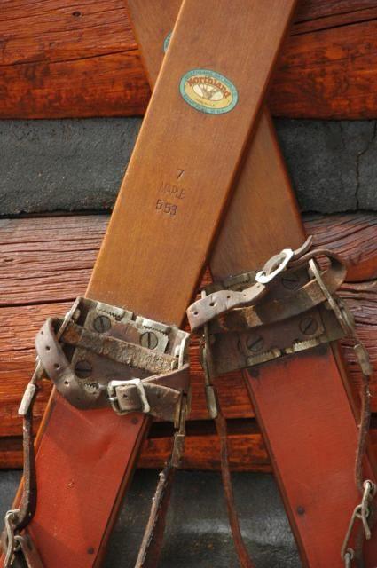 apres-ski-party-ideas-skis.jpg