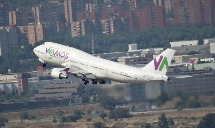B-747-400 Wamos Air Take off