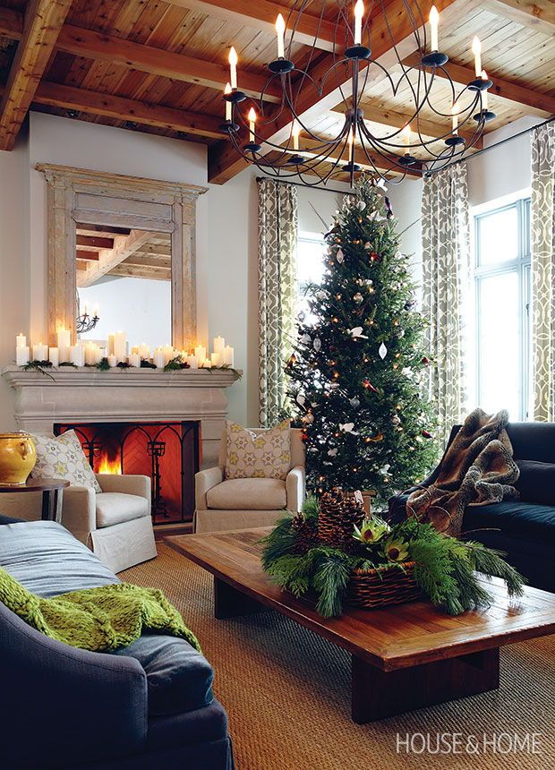 These Charming Country Homes Capture The Magic Of Christmas Christmas Room Christmas Living Rooms Best Christmas Tree Decorations
