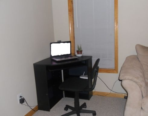 tiny black corner computer desk - Computer Desk For Small Spaces