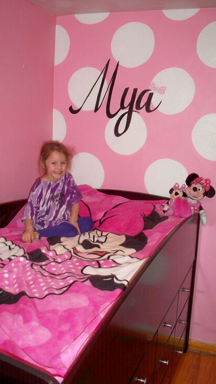 Minnie Mouse Themed Wall Mural By Decorative Painting By Lynne.  Decorativepaintingbylynne@hotmail.com Part 65
