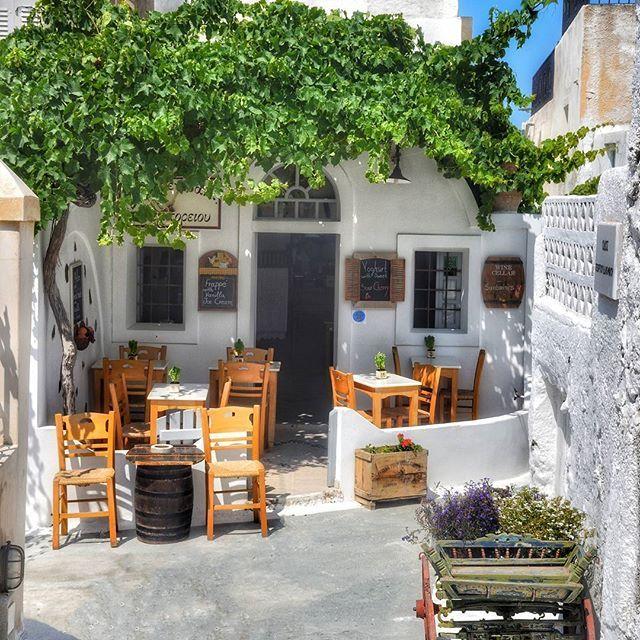 Santorini, A beautiful corner in Emporio