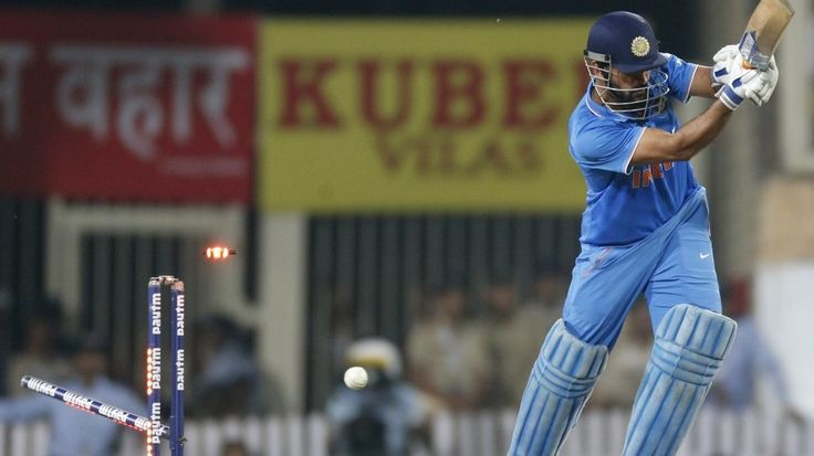Under-fire Dhoni faces tricky Kiwis Test in series-decider - http://thehawk.in/news/under-fire-dhoni-faces-tricky-kiwis-test-in-series-decider/