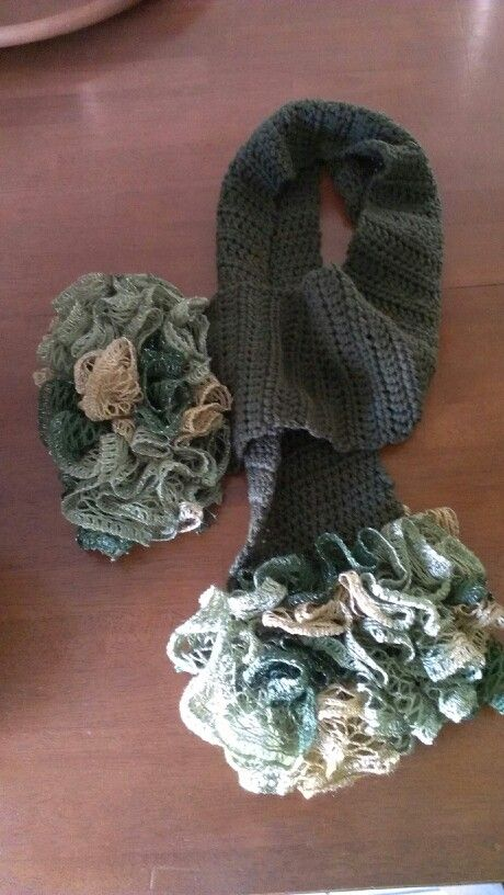 Cable Knit Hat Free Pattern : Best 20+ Sashay yarn ideas on Pinterest Sashay yarn projects, Ruffle yarn p...