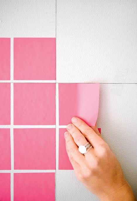 Du behøver ikke at investere i dyr kunst for at få noget smukt op på væggen! Med masking tape, maling eller selvklæbende folie kan du nemt forvandle en bar væg til en flot og personlig dekoration, der forandrer rummet.