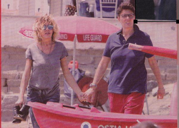 Eva Grimaldi racconta come va la storia d'amore con Imma Battaglia http://www.ilblogdiuominiedonne.net/2017/08/eva-grimaldi-racconta-va-la-sua-storia-imma-lisola/