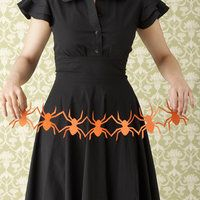 spider garland! (with instructions!)Cutout, Halloween Decor, Crafts Ideas, Crafts Crafts, Halloween Crafts, Crafts Projects, Garlands, Cut Out, Paper Chains