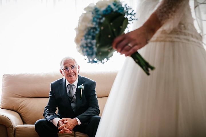 Orgullo de padre Father's Pride #wedding #boda #fotografiadeboda #weddingphotography #novia #preparativos http://davidyloreto.com