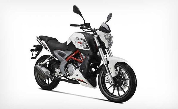 Read all about the DSK Benelli Tnt 25 which is the latest naked street fighter to be launched in India as a direct competitor to the KTM Duke 200.