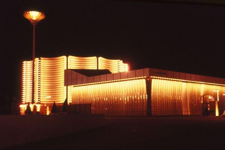 Expo 67, pavillons Canadien-Pacifique et Cominco.jpg