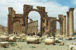 Pasukan rezim Suriah menduduki Palmyra  SURIAH (Arrahmah.com)  Pasukan pemerintah Suriah yang didukung Rusia dan sekutu mereka memasuki Palmyra pada Rabu (1/3/2017) lapor Observatorium Suriah untuk Hak Asasi Manusia (SOHR).  Palmyra kota bersejarah yang reruntuhan kunonya dijadikan Situs Warisan Dunia UNESCO sebelumnya diduduki Daesh dua kali selama konflik enam tahun Suriah lansir MEMO.  Tentara rezim merebut kota itu dari Daesh pada Maret tahun lalu tapi Daesh mendudukinya kembali pada…