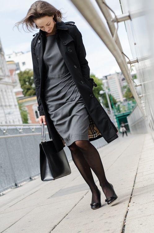 ReNika.cz wearing: Burberry trench coat, SportMax dress, Salvatore Ferragamo pump, Louis Vuitton handbag  (Photo by Glenneroo)