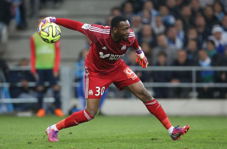 Steve Mandanda 'open to transfer as Crystal Palace monitor situation'