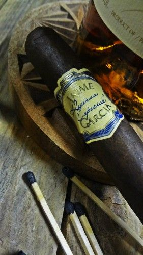"Dégustation Jaime Garcia ""robusto"" reserva especial http://cigare.skynetblogs.be/archive/2014/02/10/jaimes-garcia-robusto-reserva-especial-8099600.html"