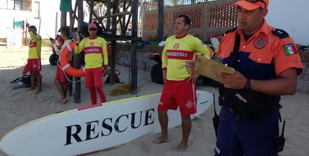 Colocan Bandera Roja por Mar de Fondo en Playas de Puerto Vallarta