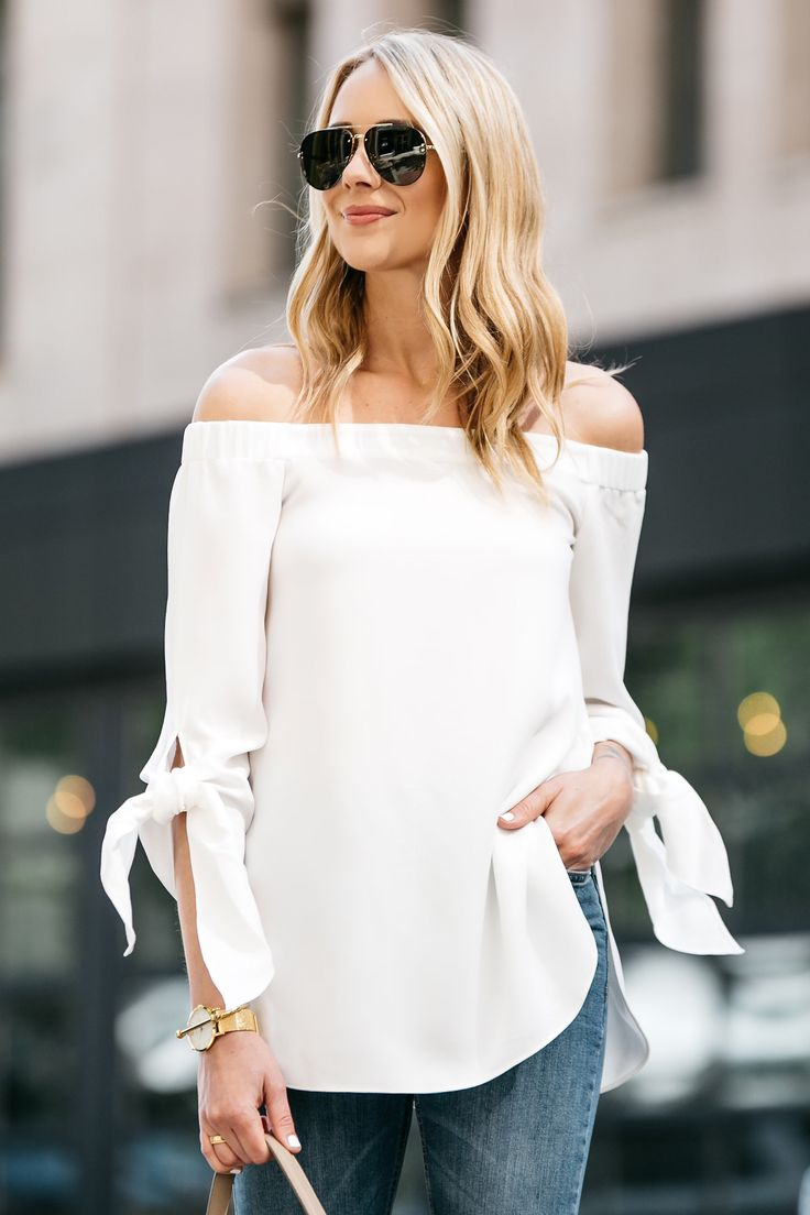 Fashion Jackson, Dallas Blogger, Fashion Blogger, Street Style, Club Monaco Sophiya Top, White Off-the-Shoulder Top, Topshop Jamie Jeans, Denim Ripped Skinny Jeans, Nude Pumps, Celine Belt Handbag