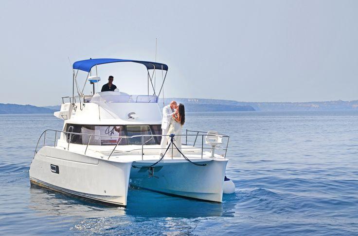 Romantic destination wedding in Santorini