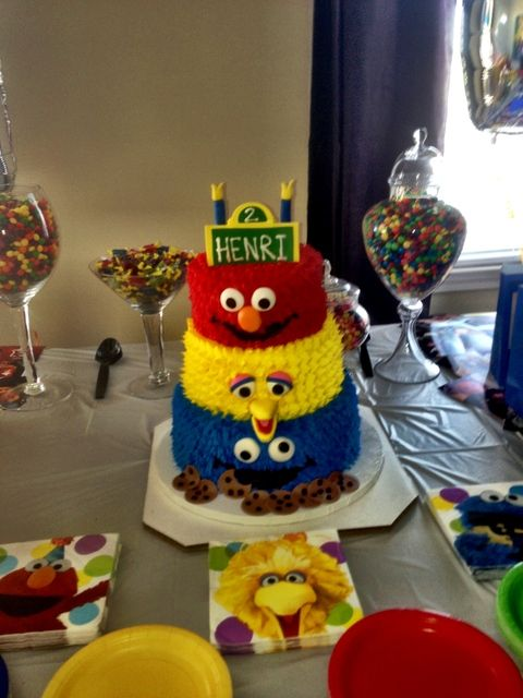 Sesame Street Cake with Elmo, Big Bird and Cookie Monster #sesamestreet #cake