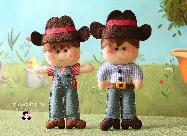 by Ei menina! - Erica Catarina, via FlickrA Menina, Felt Dolls, Érica Catarina, Crafts People, Erica Catarina, Felt Obsession, Fabrics Crafts, Fabulous Felt, Cows Boys