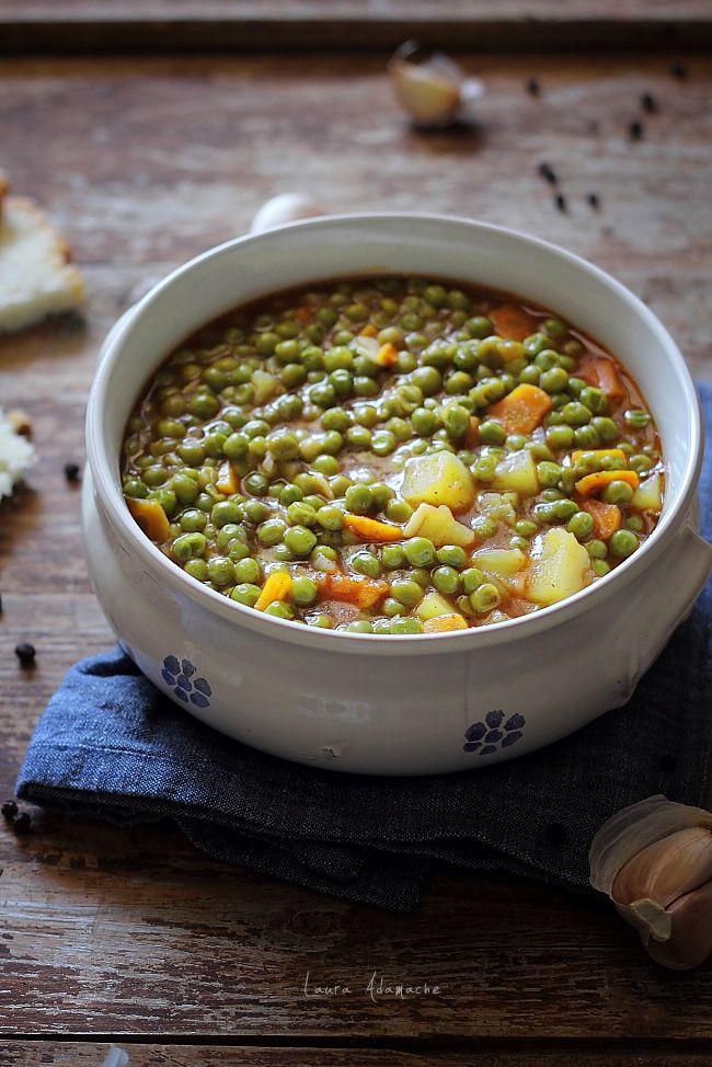 Mancare de mazare de post, reteta de mancare fara carne cu morcovi si cartofi. Preparare si ingrediente mancare de mazare. Reteta mancare de post cu mazare.