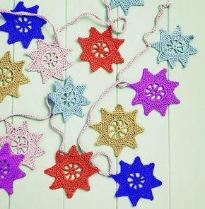 """De jolies guirlandes à réaliser , pour la déco murale , en forme d'étoiles , coeurs , fanions , en suivant leurs grilles gratuites , proposées par différents blogs """" Diy Pictures """" , """" Sandra cherry heart """" , """" Anabelia """" ! Je souhaite un bon crochet..."""