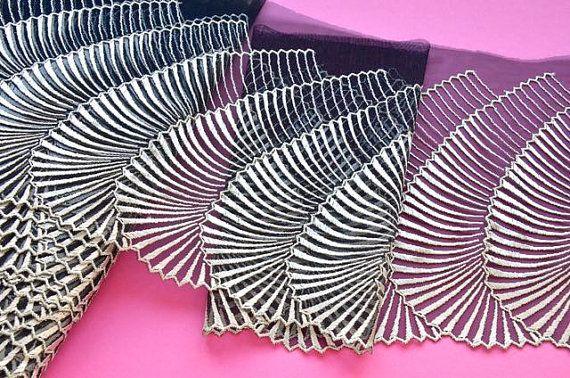 Gold und schwarz Lace Trim glitzernden Gold Fan von VintageToLiveBy
