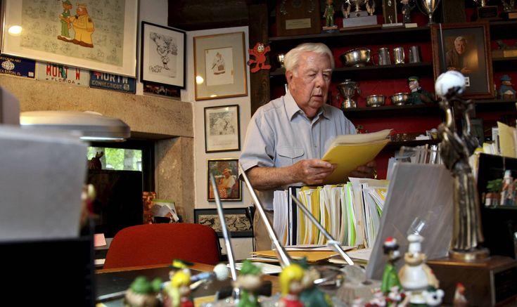 Muere Mort Walker, creador del popular cómic 'Beetle Bailey', a los 94 años El dibujante estadounidense falleció este sábado tras complicarse la nuemonía que sufría desde hacía días. Mort Walker, en 2010 en su estudio de Stamford.