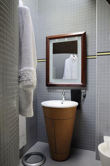les 25 meilleures id es concernant vasque totem sur pinterest salles de bains carrel es jaunes. Black Bedroom Furniture Sets. Home Design Ideas