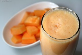 Healthy Cantaloupe Milkshake  Healthy Cantaloupe Milkshake This is one of my favorite and easy drinks to make!  It is so simple and can be made with different fruits.  Pour over ice to make it fresh and cold.  Nothing better on a warm summer day. 1 Organic Cantalope  1 Blender Thats it! Scoop out the canteloupe and put it... #juicing #cleaneating www.LauraLondonFitness.com
