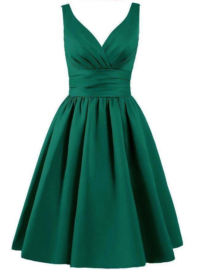 Beautiful knee length matte satin dress available in emerald green V shaped  pleated neckline The bodice. 25  cute Emerald green wedding dress ideas on Pinterest   Emerald